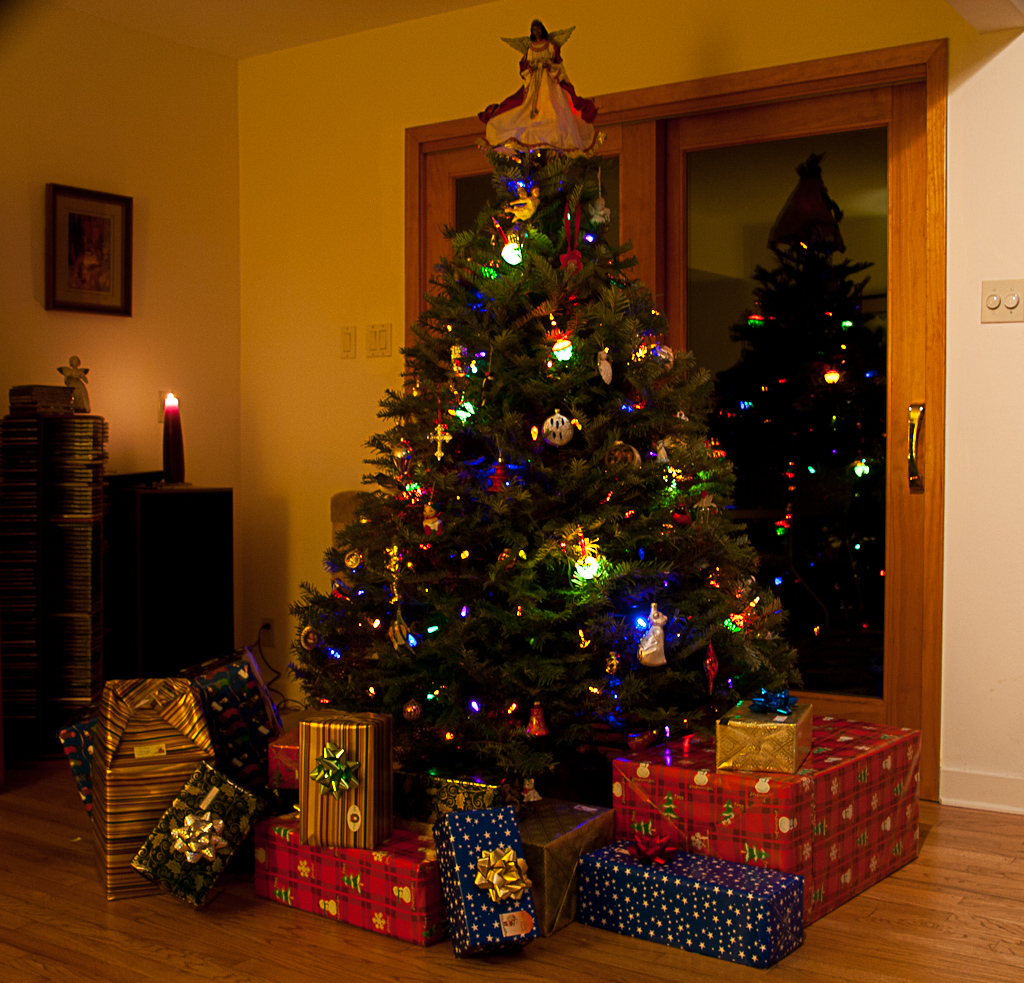 tree with gifts